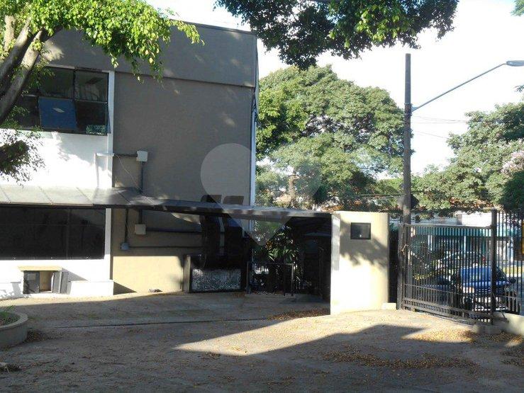 Prédio Inteiro em Planalto Paulista, São Paulo - SP