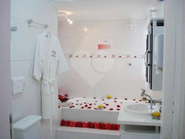 Padrão de 3 dormitórios em Jardim Dos Lagos, São Paulo - SP