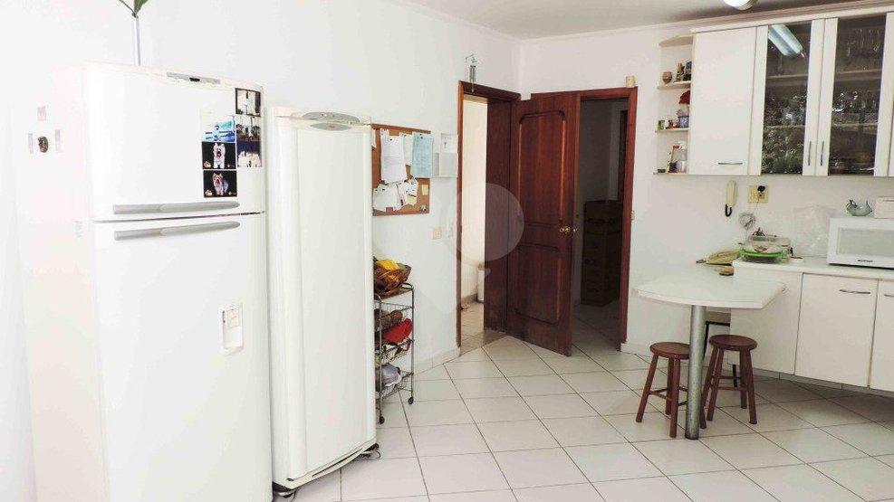 Casa de 6 dormitórios à venda em Jardim Petrópolis, São Paulo - SP