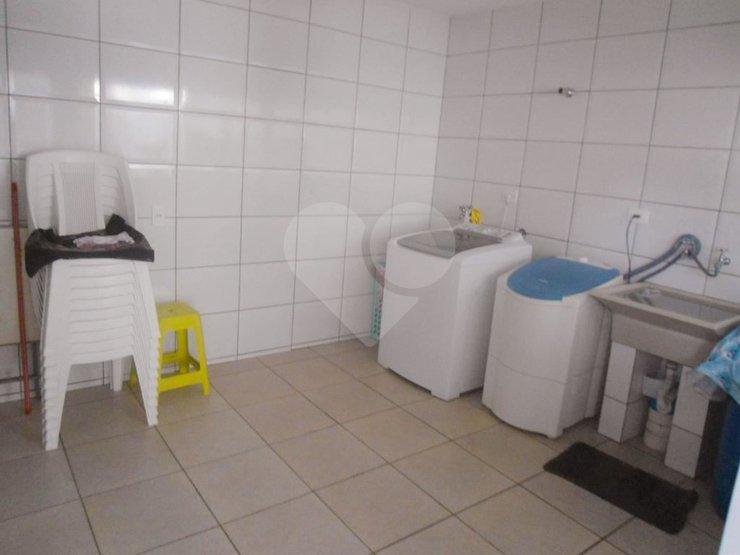 Padrão de 4 dormitórios à venda em Jardim Dos Lagos, São Paulo - SP