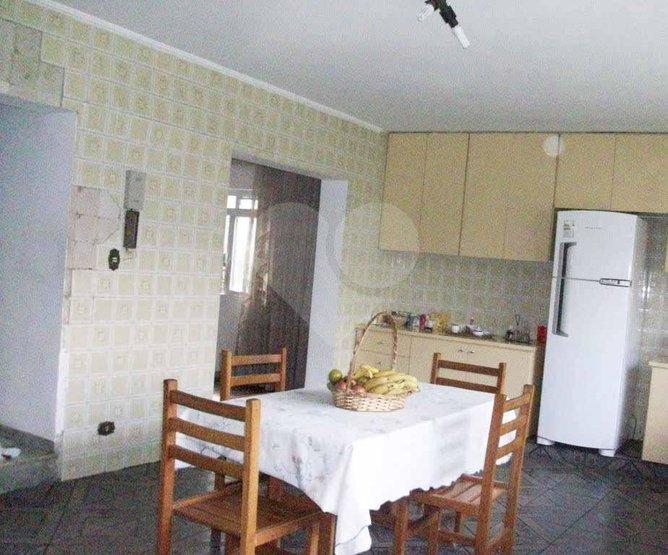 Casa de 3 dormitórios em Jardim Santa Helena, São Paulo - SP