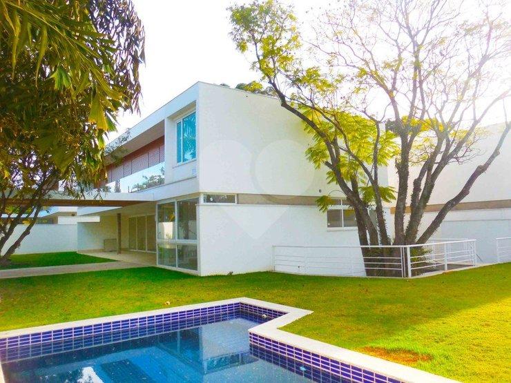 Casa de 4 dormitórios em Jardim Cordeiro, São Paulo - SP