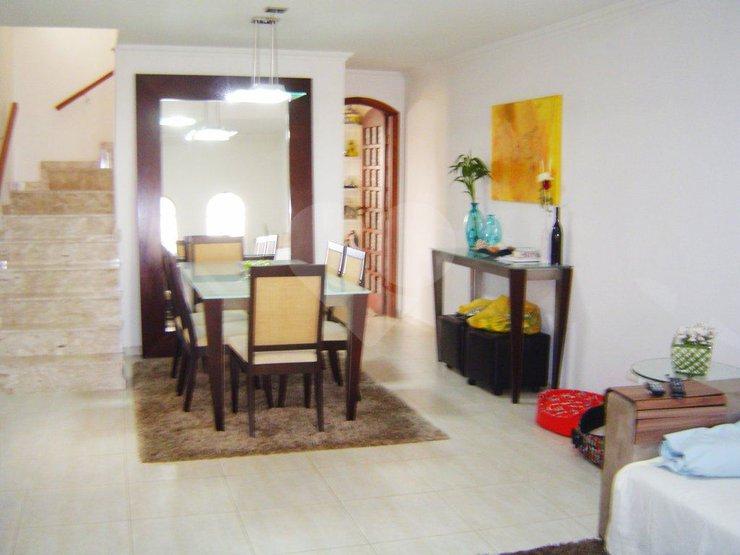 Padrão de 3 dormitórios em Chácara Santo Antônio (Zona Sul), São Paulo - SP