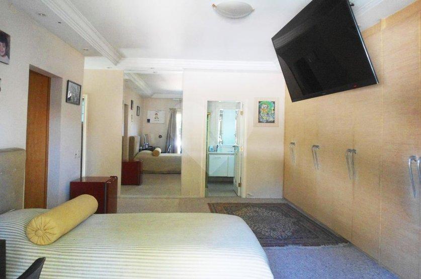 Casa de 4 dormitórios em Jardim Dos Estados, São Paulo - SP