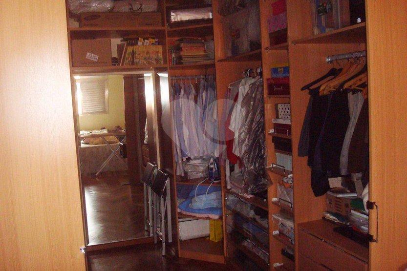 Casa de 4 dormitórios em Vila Arriete, São Paulo - SP