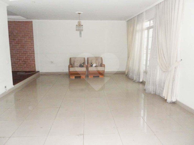 Padrão de 4 dormitórios à venda em Vila São Pedro, São Paulo - SP