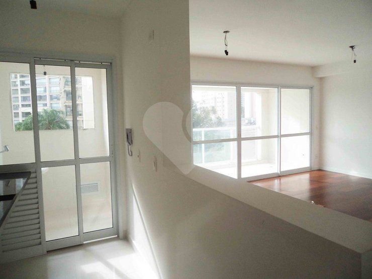Apartamento de 1 dormitório em Vila Gertrudes, São Paulo - SP