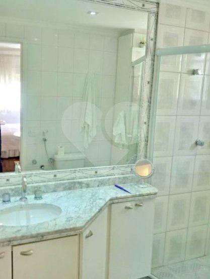 Apartamento de 3 dormitórios à venda em Vila Uberabinha, São Paulo - SP