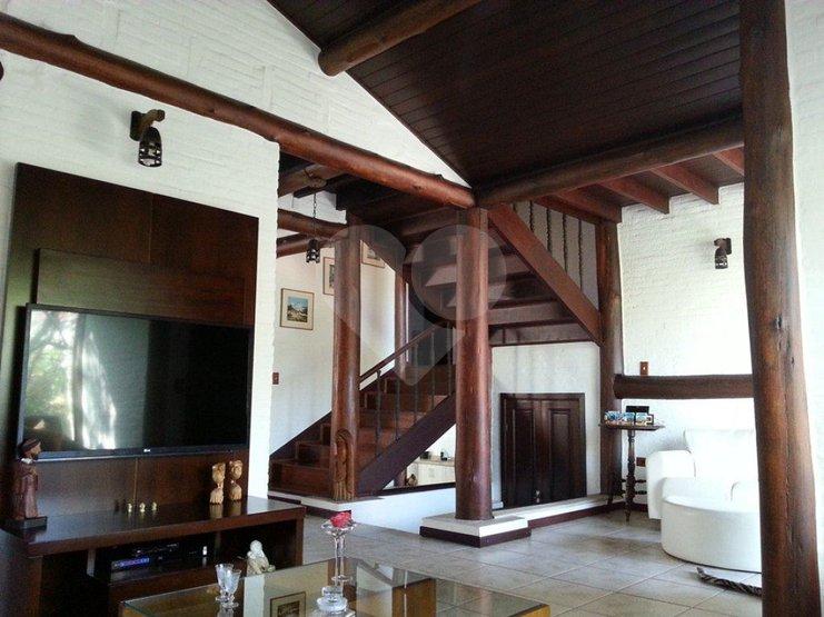 Casa de 3 dormitórios à venda em Pousada Dos Campos, Pouso Alegre - MG
