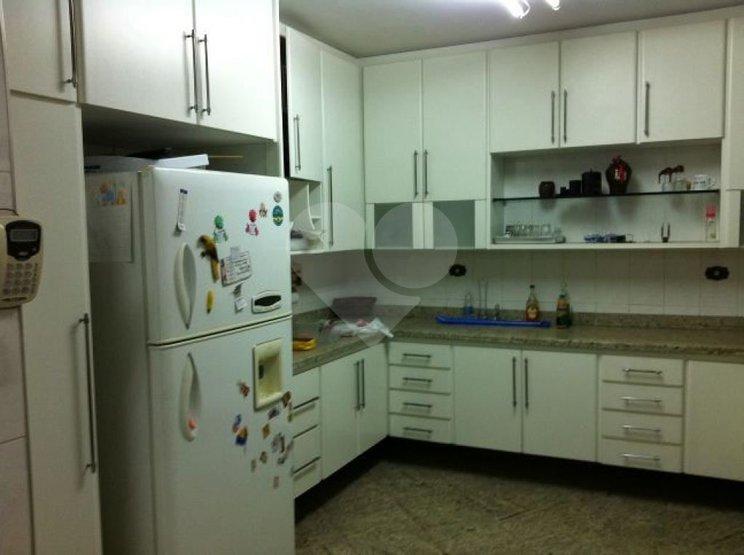 Casa de 4 dormitórios em Jardim Novo Mundo, São Paulo - SP