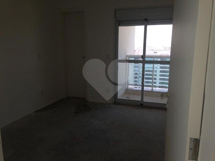 Apartamento de 4 dormitórios à venda em Alphaville Industrial, Barueri - SP