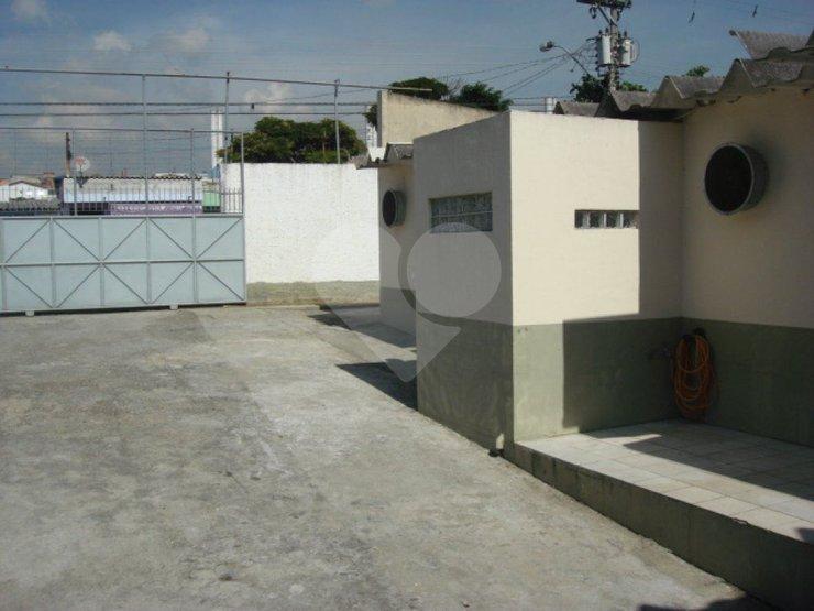 Galpão à venda em Vila Veloso, Carapicuíba - SP