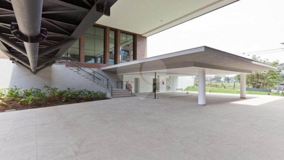 Sala em Jardim Lambreta, Cotia - SP