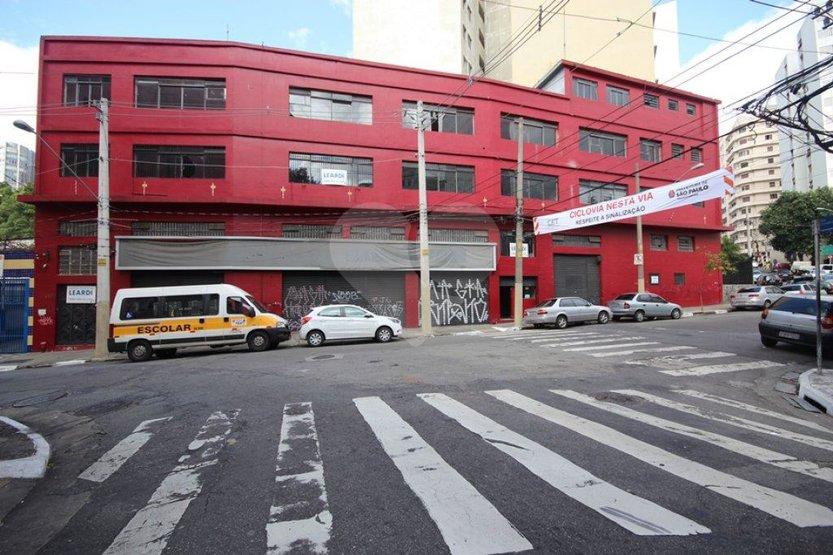 Prédio Inteiro em Bela Vista, São Paulo - SP