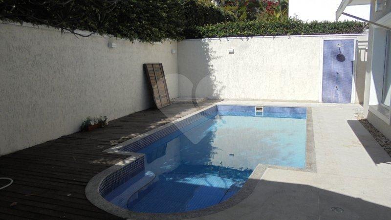 Casa de 3 dormitórios à venda em Alphaville, Santana De Parnaíba - SP