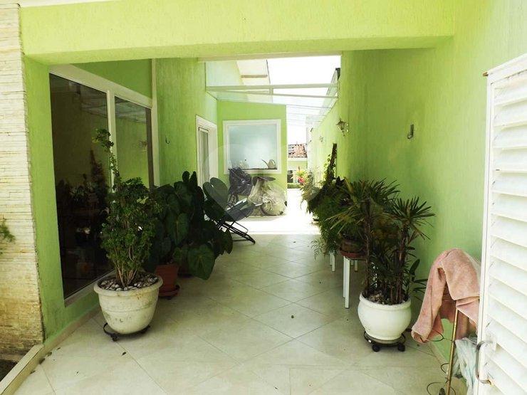 Casa de 4 dormitórios em Chácara Monte Alegre, São Paulo - SP