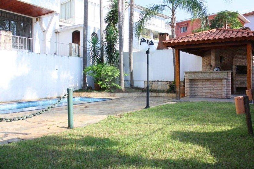 Padrão de 4 dormitórios à venda em Pacaembu, São Paulo - SP