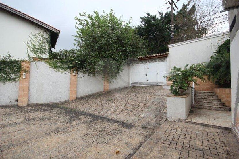 Casa de 4 dormitórios em Jardim Vitória Régia, São Paulo - SP