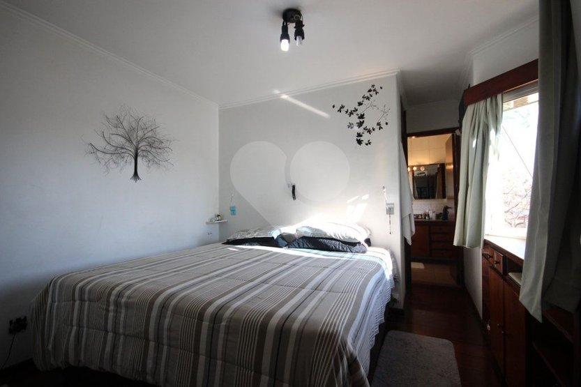 Casa de 5 dormitórios em Parque Jabaquara, São Paulo - SP