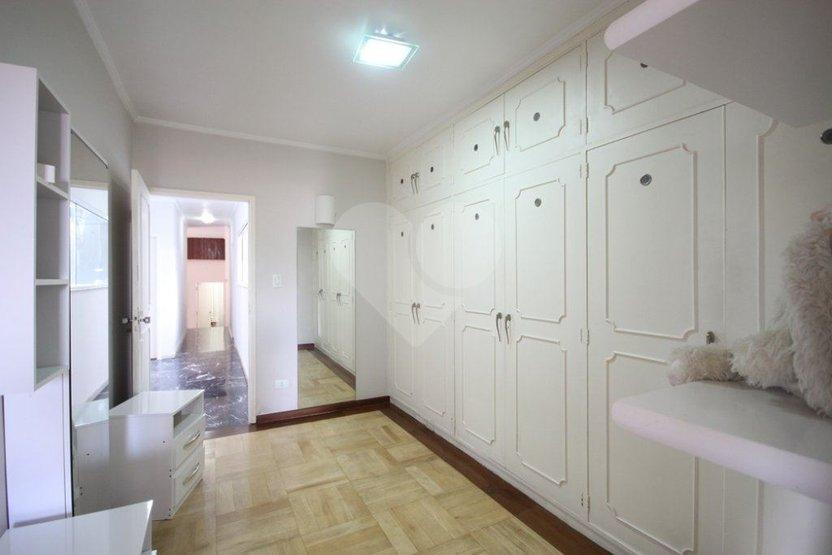 Casa de 5 dormitórios em Planalto Paulista, São Paulo - SP