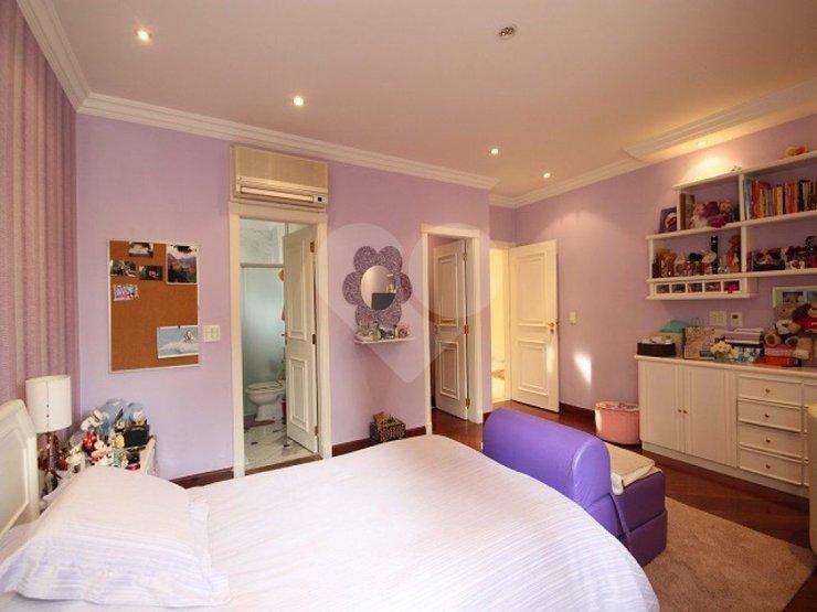 Casa de 4 dormitórios em Alphaville Residencial Zero, Barueri - SP