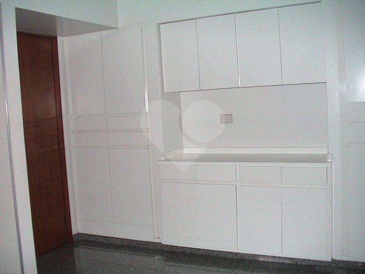 Casa de 5 dormitórios em Jardim Leonor, São Paulo - SP