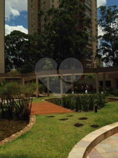Apartamento de 4 dormitórios em Vila Andrade, São Paulo - SP