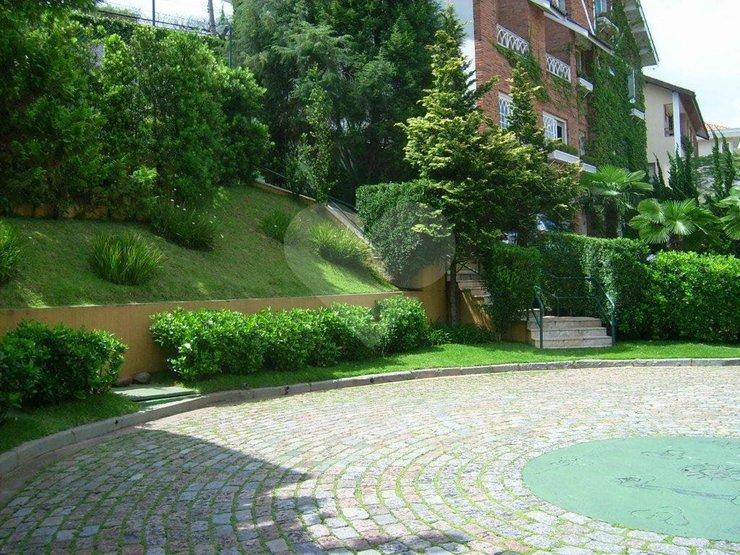 Casa de 4 dormitórios em Jardim Colombo, São Paulo - SP