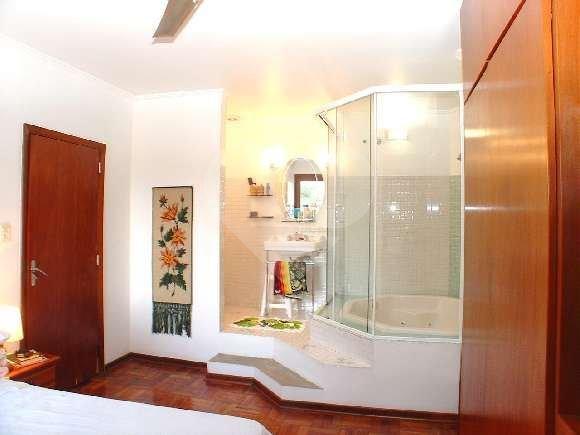 Casa de 4 dormitórios em Vila Tramontano, São Paulo - SP