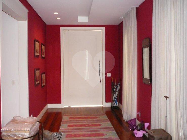 Casa de 6 dormitórios à venda em Jardim Everest, São Paulo - SP