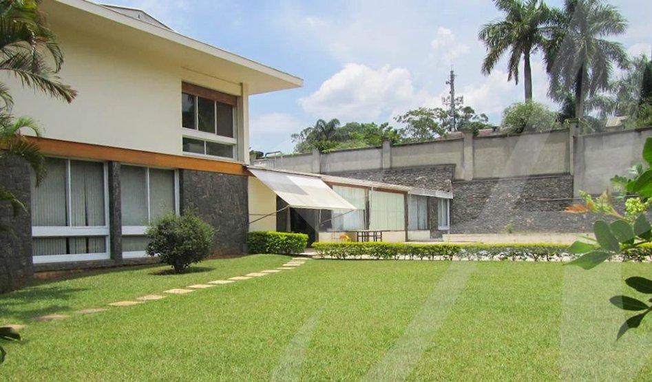 Padrão de 3 dormitórios em Morumbi, São Paulo - SP