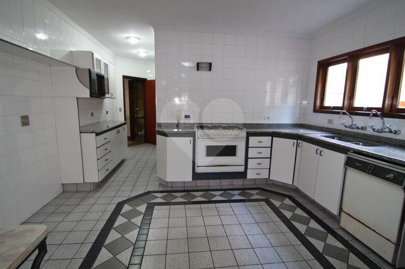 Casa de 3 dormitórios em Vila Tramontano, São Paulo - SP