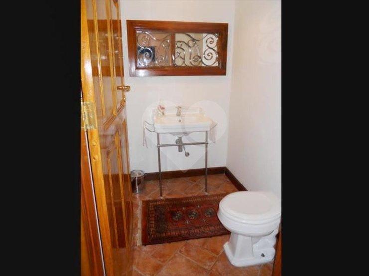 Casa de 3 dormitórios à venda em Real Parque, São Paulo - SP