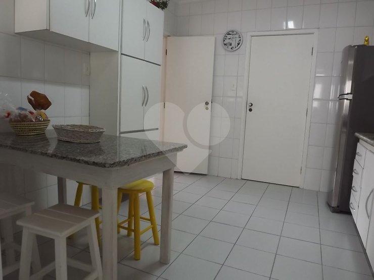 Apartamento de 2 dormitórios à venda em Jardim Das Bandeiras, São Paulo - SP
